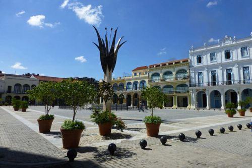 Plaza Vieja de La Habana, la más colorida de la ciudad