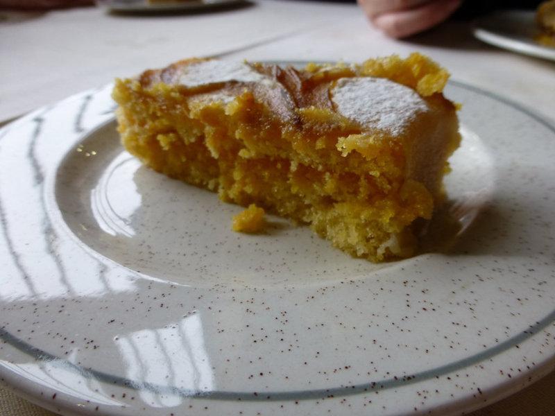 Ponche segoviano, postre típico en los restaurantes de Sepúlveda