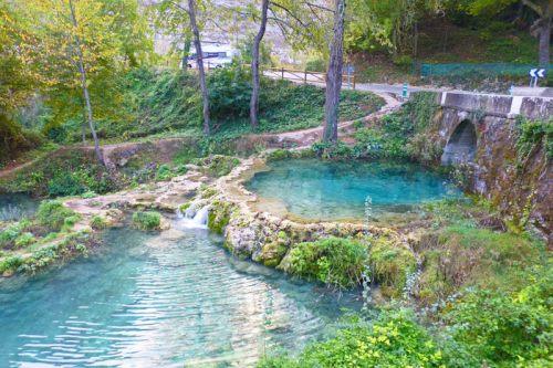 Piscinas naturales a los pies de la cascada