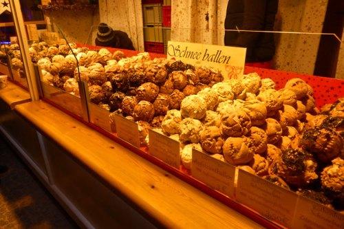 Puesto de dulces tradicionales, un básico de los mercados navideños de Europa