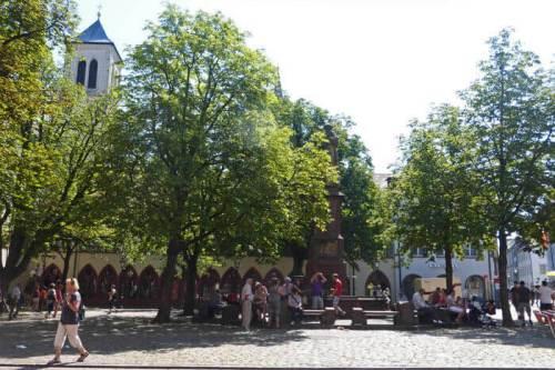 Plaza del Ayuntamiento (Rathausplatz) de Friburgo de Brisgovia