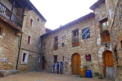 Restaurante tradicional en Orbaneja del Castillo