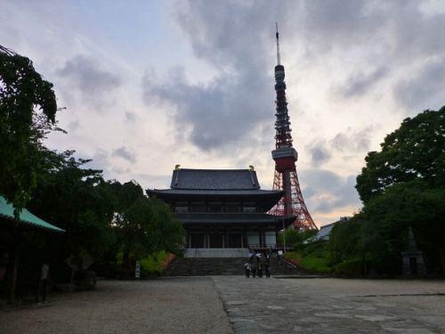 Templo Zojoji y Tokyo Tower, los dos principales atractivos turísticos del barrio Minato