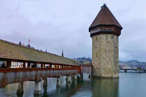 Puente de la Capilla y Torre del Agua, los principales monumentos de Lucerna