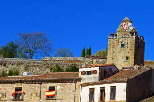 Torre del Alfiler, la más bella de las torres defensivas de la muralla de Trujillo