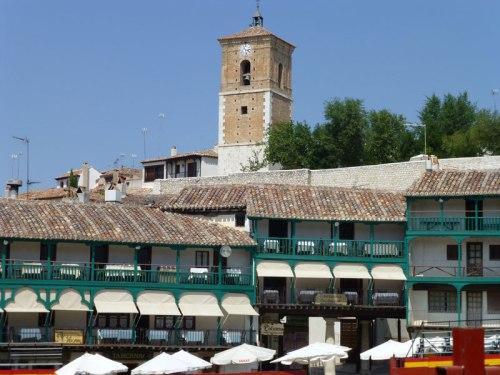 Torre del Reloj vista desde la Plaza Mayor de Chinchón
