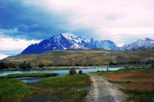 Macizos montañosos del Parque Nacional Torres del Paine en Chile