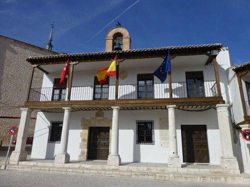 Ayuntamiento en la Plaza Mayor de Colmenar de Oreja