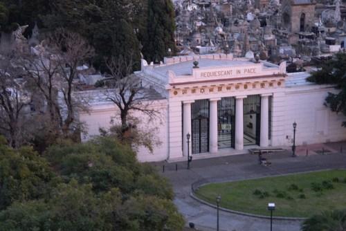 Entrada al Cementerio de la Recoleta en Buenos Aires