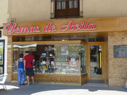 Pastelería de Ávila, ideal para llevarse un dulce recuerdo de la ciudad, qué comprar en Ávila