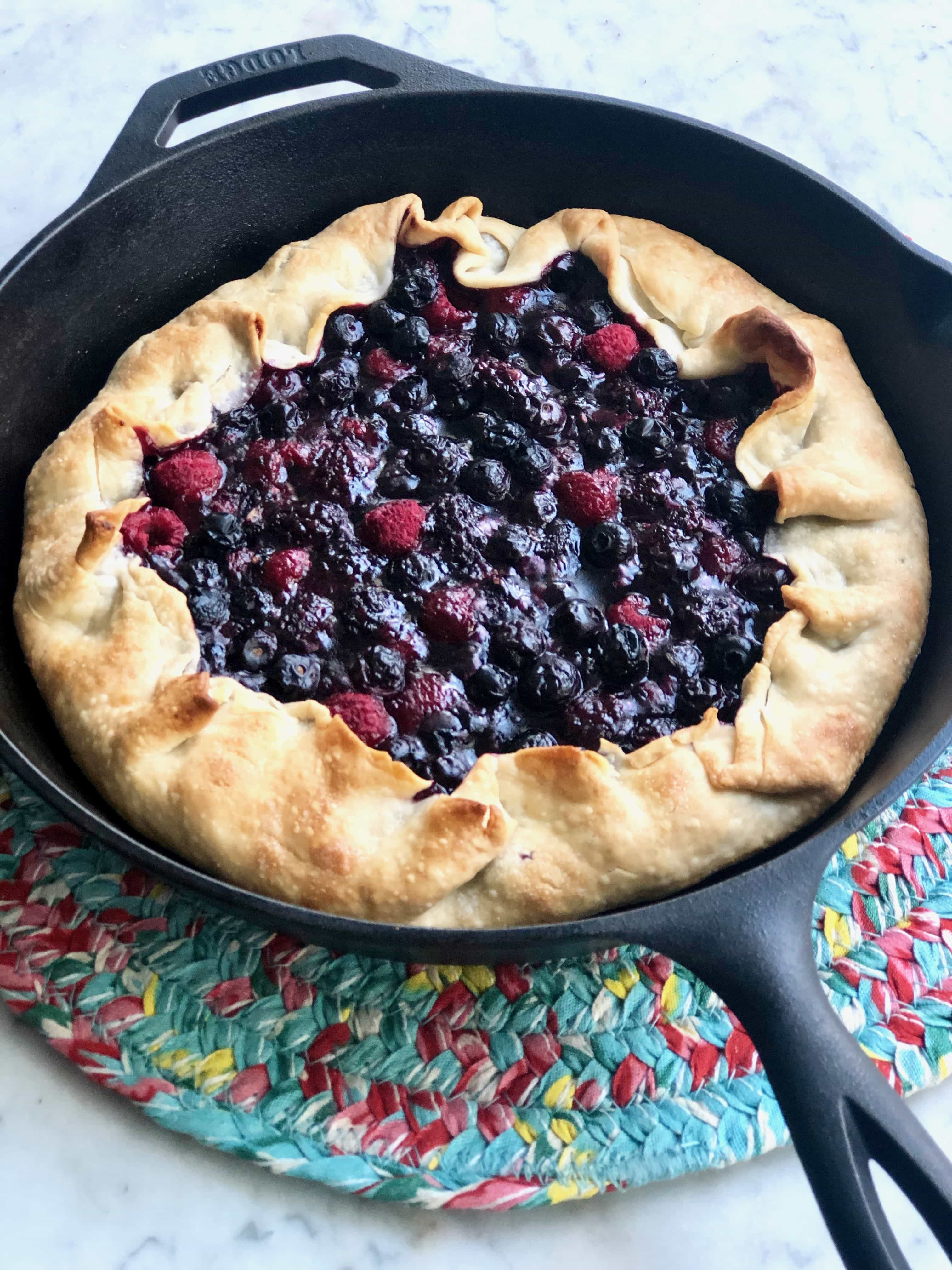 crostata in a cast iron skillet