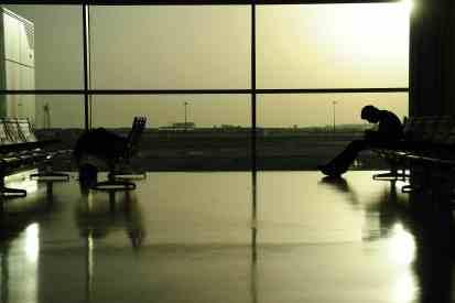 aeroporto, frustração por cancelamento voo 15 anos