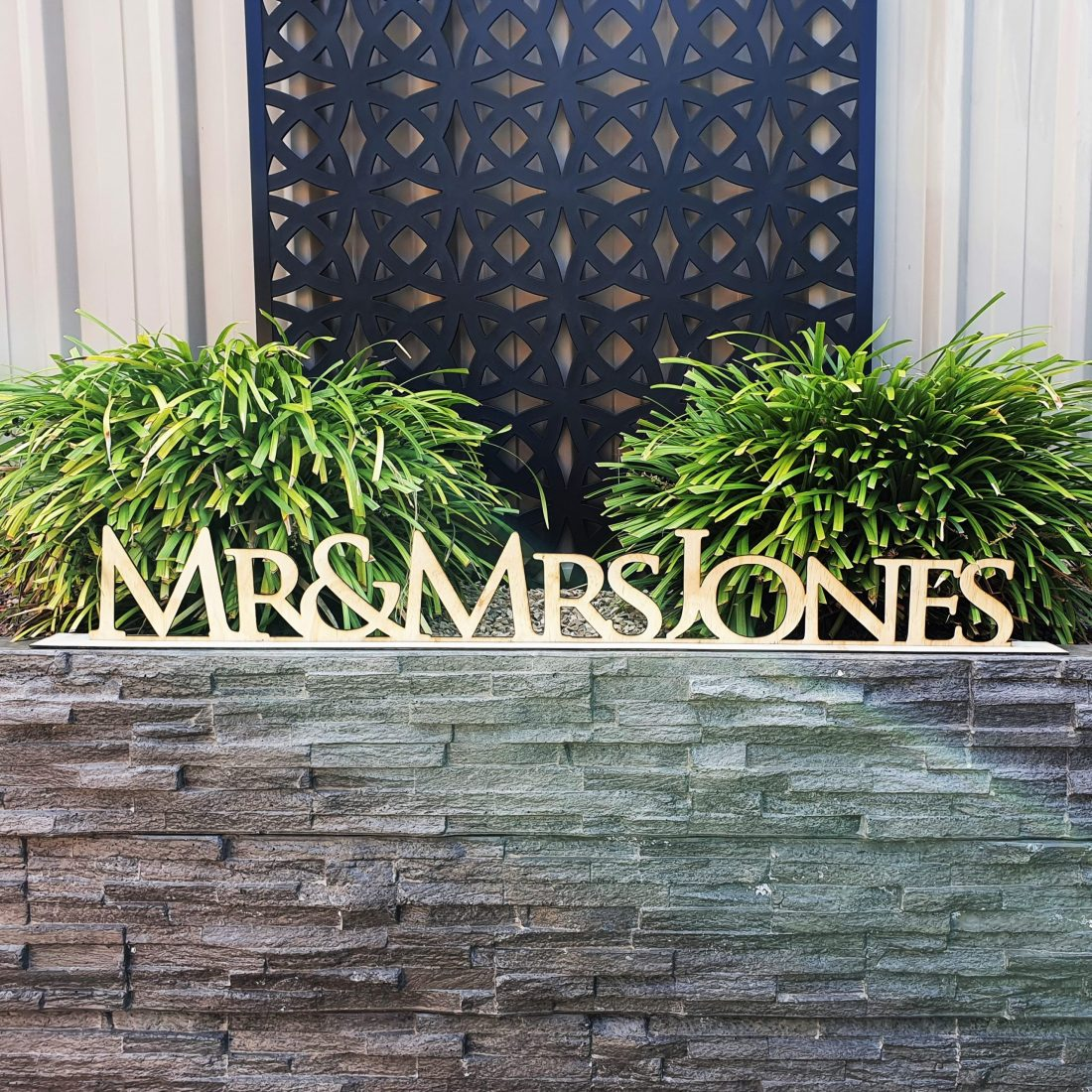Wooden Mr & Mrs Personalised Names