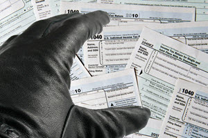 Tax-Return-Crook