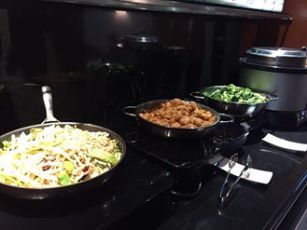 Chinese noodles, General Tso's chicken, broccoli
