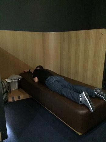 Sleeping at the Frankfurt Senator Lounge