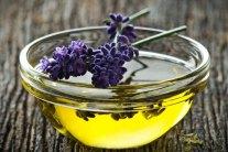4 DIY Herbal Hair Rinses