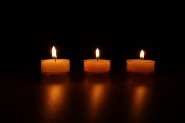 candles-488565_640