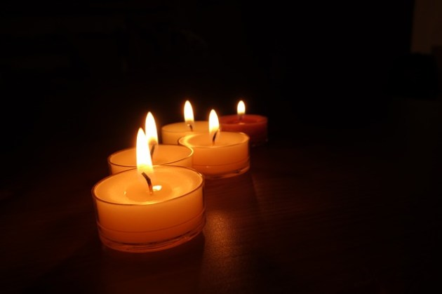 candles-488573_640