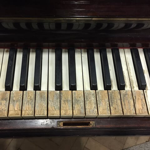 Piano played by the Beatles