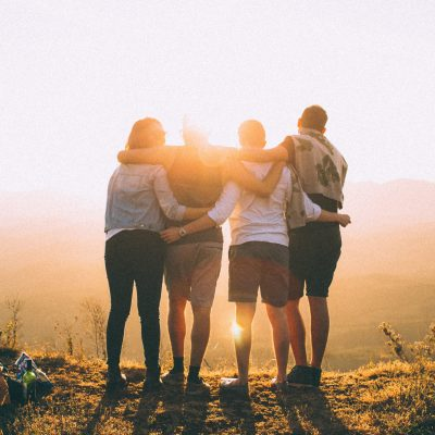 5 Ways to Help Your Friend Through a Hard Time