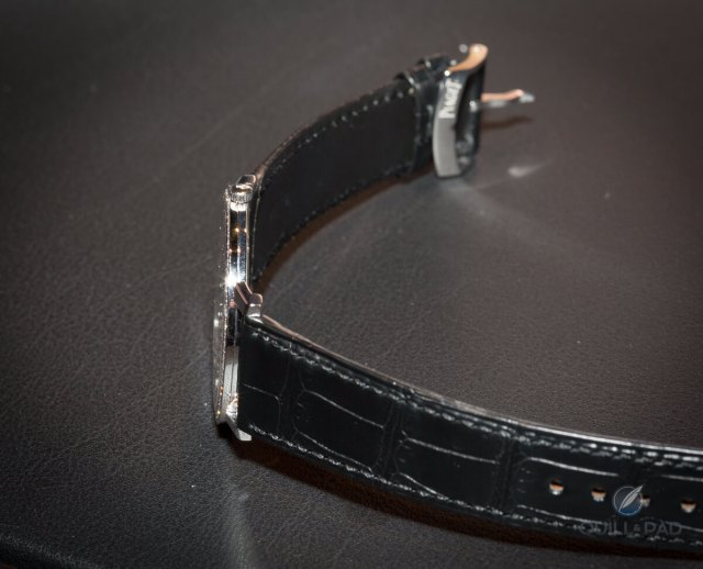 Piaget Altiplano side on
