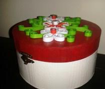 cutii decoratiuni cu rosu si alb handmade quilling for you (9)