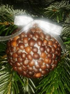glob de craciun cu boabe de cafea handmade quilling for you (22)