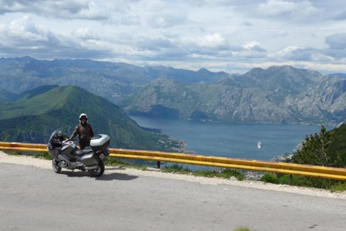 A vista da Baía de Kotor a partir da estrada Kotor Serpentine
