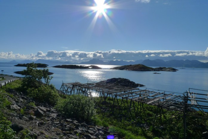 Pela costa da Noruega, Vestfjorden.