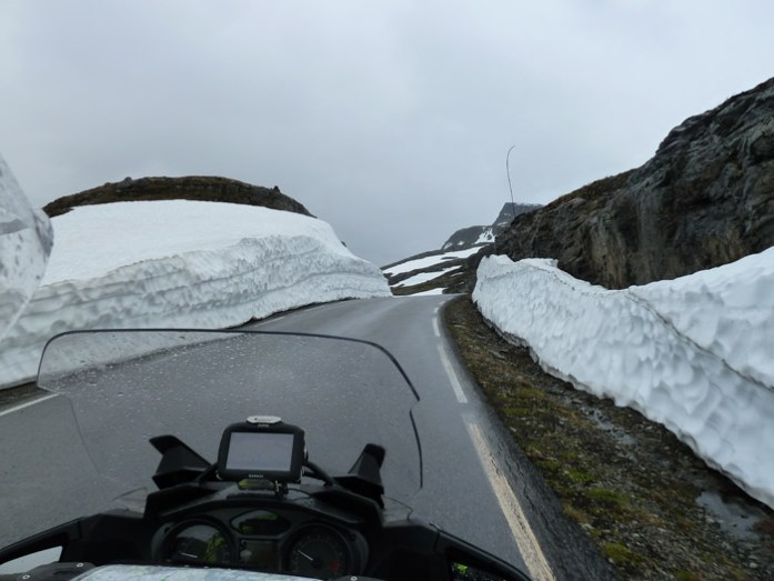 Aurlandsfjellet e Sognefjellet de mota pelas melhores estradas da Noruega