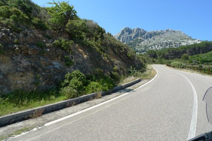 Pelo Monte Albo e o Passo de Sant'Anna. Sardenha de mota pelas melhores estradas da ilha paradisíaca