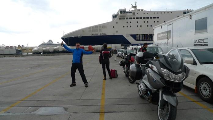 Como chegar à Sardenha de mota. No porto de Barcelona para a travessia de ferry Barcelona - Porto Torres