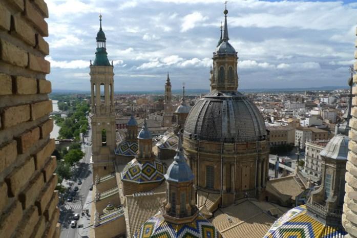Viagem de mota à Sardenha. Em Zaragoza, Espanha.