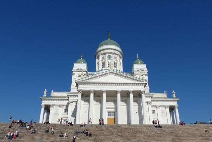 Catedral de Helsínquia. Viagem de mota pela Noruega