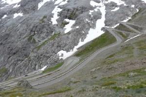 Estradas de Montanha nos Alpes. Stelvio Pass