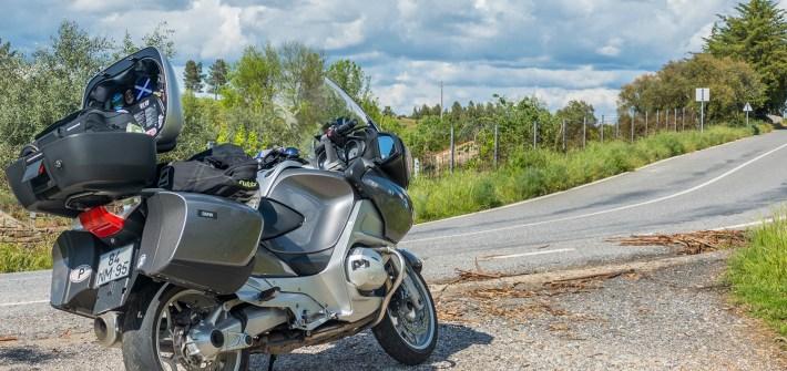 Bagagem numa viagem de mota