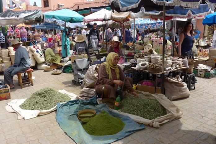 Informações para uma viagem de mota a Marrocos. Em Marraquexe.