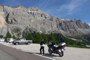 Estradas de Montanha nos Alpes. Gardena Pass