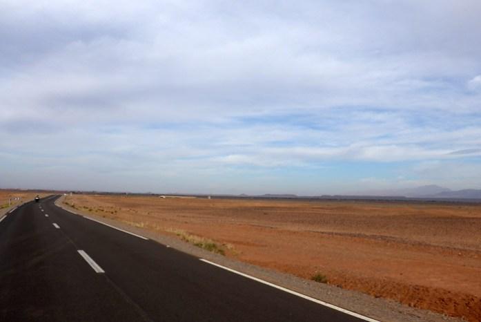 Viagem de mota a Marrocos. De Marrakech a Ouarzazate. A chegada a Ouarzazate.