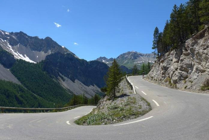 De mota nos Alpes Franceses em Col D'IzoardDe mota nos Alpes Franceses em Col D'Izoard