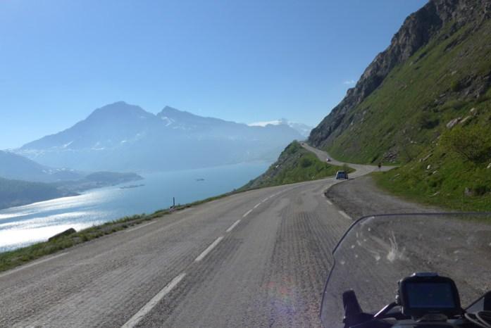 Viagem de mota pelas Estradas Alpinas. Col du Mont Cénis. França