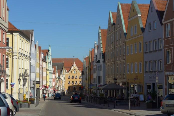 Na alemanha Pelo centro histórico de Donauwörth.Pelo centro histórico de Donauwörth.