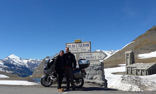 Col de L'iseran de mota nos Alpes Franceses