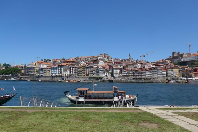 Nas margens do Rio Douro em Vila Nova de Gaia.