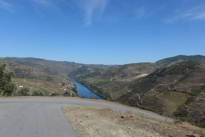 Entre Cotas e a Foz do Tua pela M597.