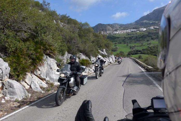 Roteiro de mota pela Andaluzia em A-372 Grazalema. A melhor estrada da Ruta de los Pueblos Blancos