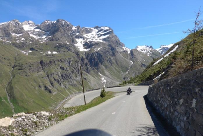 Nas melhores estradas dos Alpes Franceses em Col de L'Iseran.