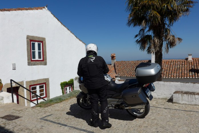 De mota pelas melhores estradas de Portugal. Castelo de MarvãoDe mota pelas melhores estradas de Portugal. Castelo de Marvão