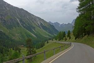Viagem de mota aos Alpes Suíços. No Albula Pass.